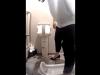 【和式トイレ盗撮】こんな綺麗な女性も排泄している所を撮られちゃったんだ・・・(動画)